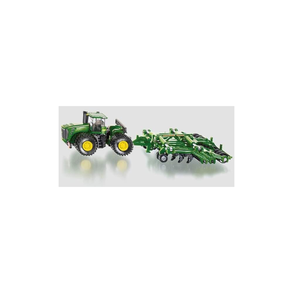 Tractor John Deere con cutivador amazone