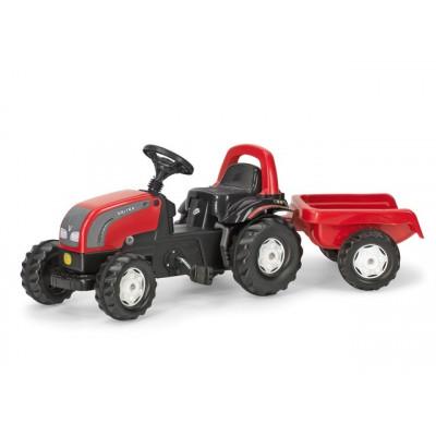Tractor Valtra con remolque a pedales