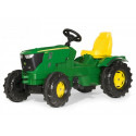 Tractor John Deere 621R a pedales